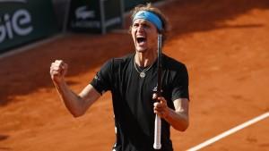 Zverev kommt zitterfrei ins Viertelfinale