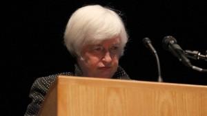 Ärzte untersuchen Notenbankchefin nach Redeabbruch