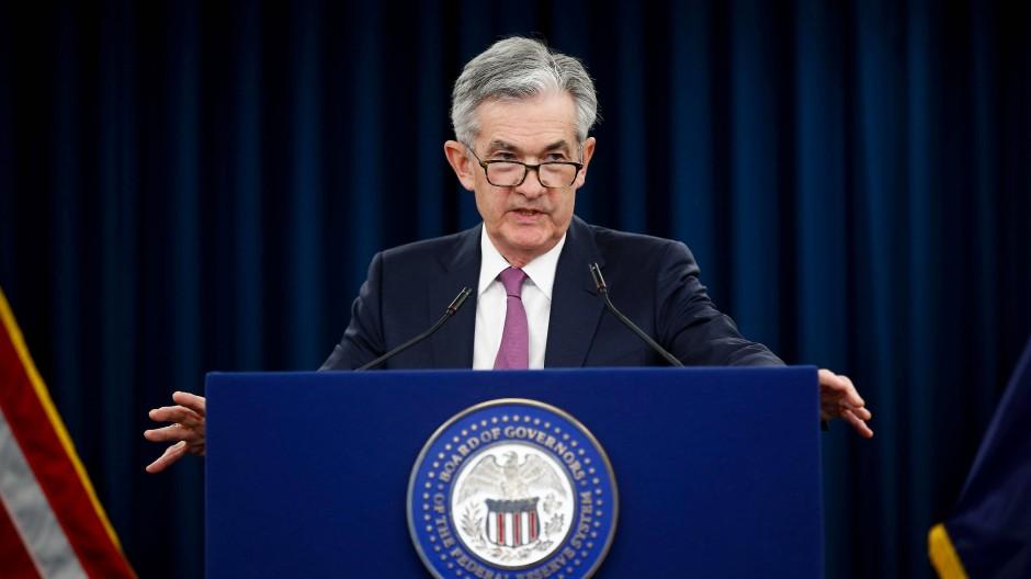 Fed-Chef Jerome Powell spricht auf einer Pressekonferenz (Symbolbild).