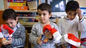 Der Kindergarten hilft Migrantenkindern