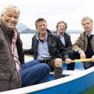 Vier Mann in einem Boot: Gerhard Polt und die Well-Brüder Christoph ('Stofferl'), Karl und Michael Well (von links)