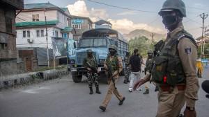 Aufständische in Kaschmir erschießen fünf Soldaten