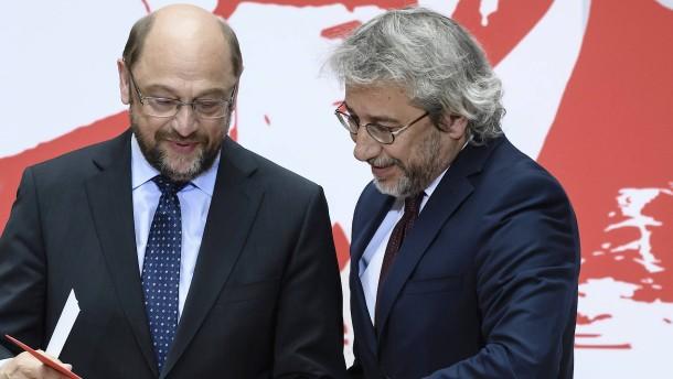 Can Dündar erhält Bürgerpreis der SPD