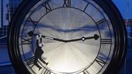 Ist es wirklich schon so spät? Ab heute Nacht gilt wieder die Sommerzeit.