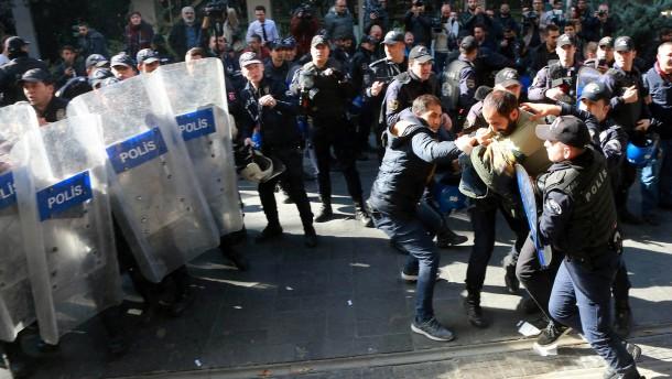 Gericht verhängt Untersuchungshaft gegen HDP-Vorsitzende