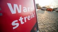 Für Freitag sind in Frankfurt und Mainz Warnstreiks angekündigt worden.