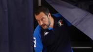 Der Dickkopf kommt aus der Wahlkabine: Matteo Salvini bei seiner Stimmabgabe zur Europawahl