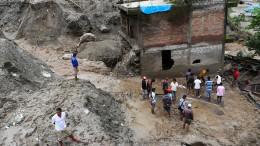 Gewaltige Erdrutsche erschüttern Nepal