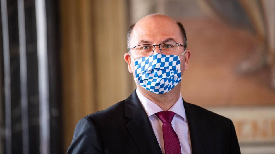 """""""Wir brauchen keine zusätzliche Bürokratie durch neue Sonderprogramme"""", sagte Bayerns Finanzminister Albert Füracker."""