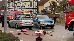 Polizei: Autofahrer fuhr vorsätzlich in Menschengruppe