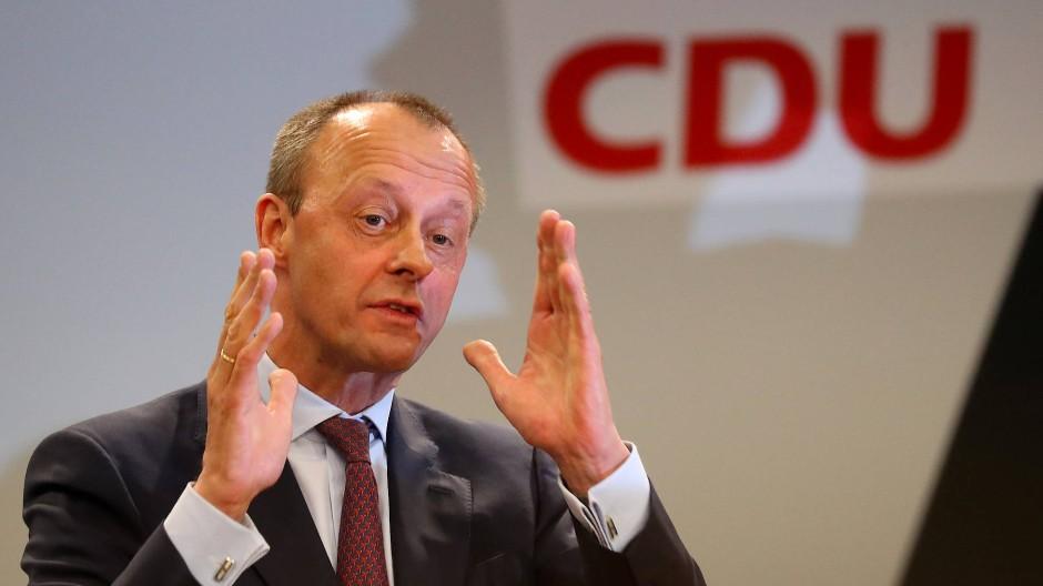 Spart nicht mit Kritik an der Führungsriege seiner Partei: Friedrich Merz, 63 Jahre alt
