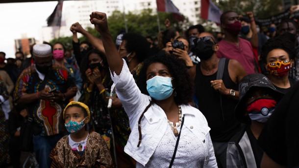 Proteste nach gewaltsamem Tod eines Schwarzen in Brasilien
