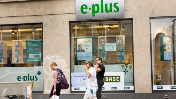 E-Plus und O2 ziehen Blicke auf sich