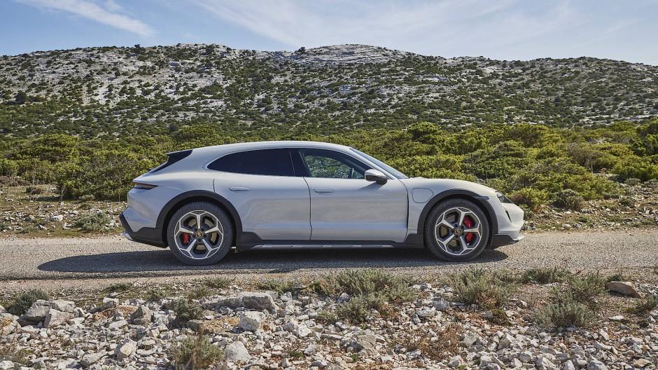 Vollelektrisch: Der Porsche Taycan Cross Turismo