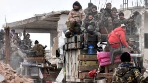 Tausende flüchten Richtung Türkei