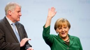 Merkel lobt Union, Bayern und Europa
