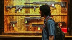 Der Todesschütze hilft den Waffenherstellern