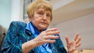 Die heute 81 Jahre alte Auschwitz-Überlebende Eva Kor im Gerichtssaal in Lüneburg.