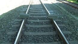 Zuggleise mit Betonplatten blockiert