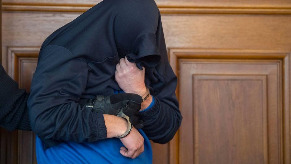 Besondere Schwere Der Schuld Hochststrafe Fur Dreifachmorder Aus Villingendorf