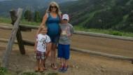 Leihmutter: Holly Heartso mit ihren Söhnen Mason (rechts) und Caleb