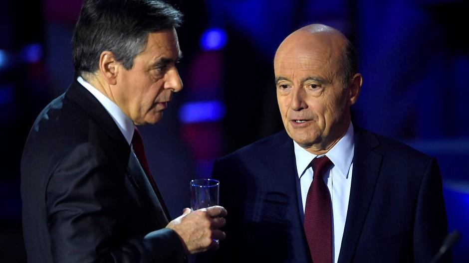 François Fillon und Alain Juppé vor der Stichwahl in Frankreich