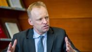 Der Chef des ifo-Instituts, Clemens Fuest, hat es auf den ersten Platz der einflussreichsten Ökonomen geschafft.