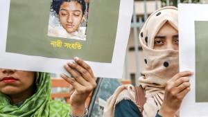 16 Todesurteile nach Mord an Schülerin