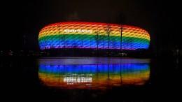 Münchener Stadion darf nicht in Regenbogen-Farben leuchten