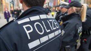 Polizei sichert Fotos der Opfer