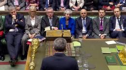 Premierministerin May übersteht Misstrauensvotum