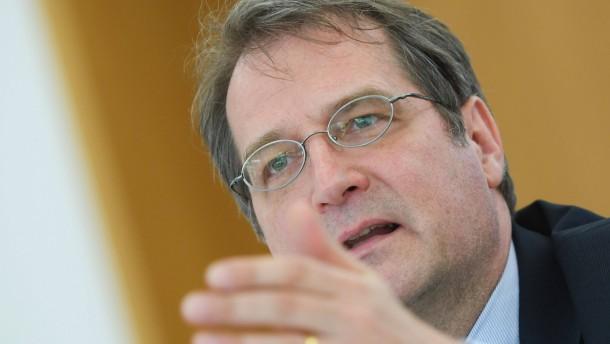 Volker Wieland darf Wirtschaftsweiser bleiben