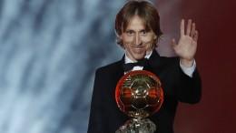 Modric freut sich über goldenen Ball