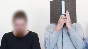 Angeklagte schweigen in Schlussplädoyers
