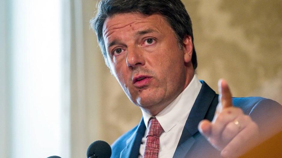 """""""Salvini ist ein Influencer, der Wut verbreitet"""": der frühere italienische Ministerpräsident Matteo Renzi über den amtierenden Innenminister Matteo Salvini"""