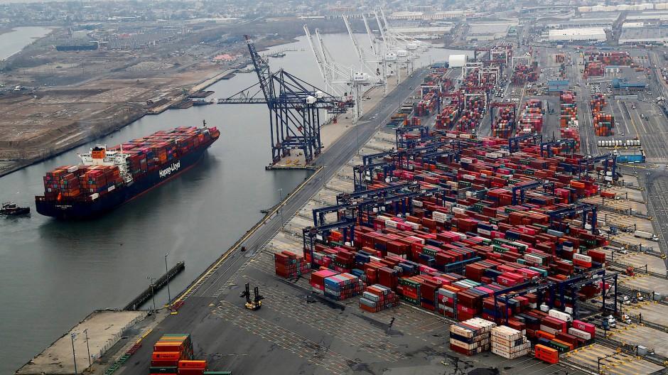 In keiner Branche zeigt sich die Globalisierung so gut wie im Geschäft mit Container-Transporten. Hier ein Foto des Hafens von New Jersey.