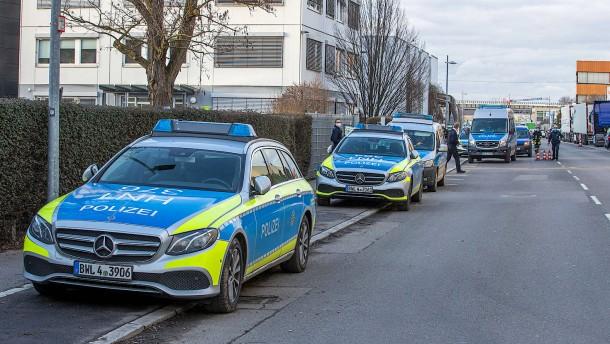 Drei Personen durch Explosion in Lidl-Zentrale verletzt