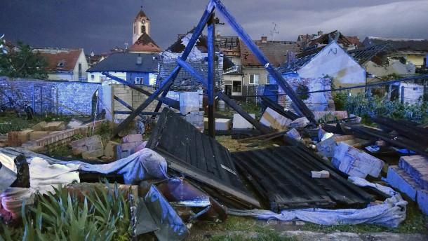 Tote und Verletzte nach Tornado in der Tschechischen Republik