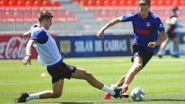 Spanische Fußballer trainieren wieder