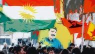 Gegen die türkische Militäroffensive: Kurden und andere Gruppen bei einer Demonstration in Hannover