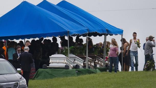 Ehepaar und Söhne nach Achtfachmord in Ohio verhaftet