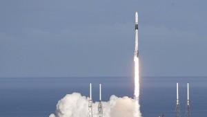 """""""Dragon""""-Raumfrachter unterwegs zur ISS"""