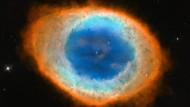 Der Ringnebel in der Leier misst etwa ein Lichtjahr - der typische Durchmesser der meisten Planetarischen Nebel.