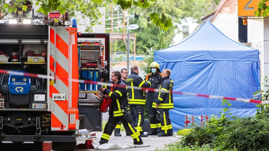 Nach Wohnungsbrand in Niederrad: Die Polizei ermittelt nach dem Tod eines Hausbewohners.