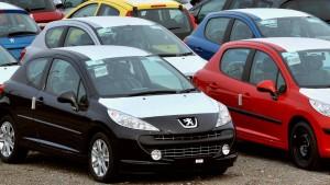 Sturz der PSA-Aktie treibt Anleger in Renault-Anleihen