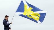 """Ein junger Schotte sagt in Edinburgh """"Ja"""" zu einer Abspaltung von Großbritannien"""