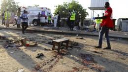 Selbstmordattentäter töten zwölf Menschen