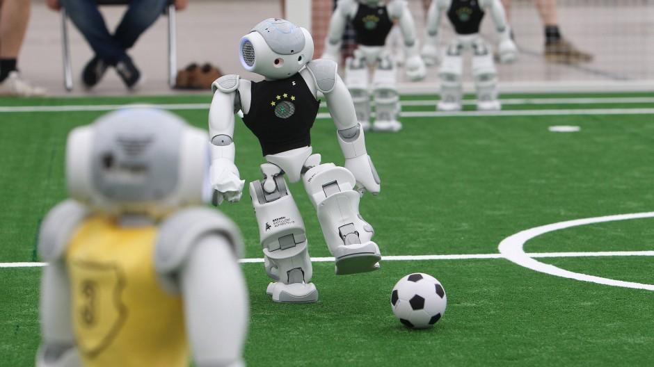 Fußball-Roboter vom Deutschen Zentrum für Künstliche Intelligenz und der Universität Bremen.