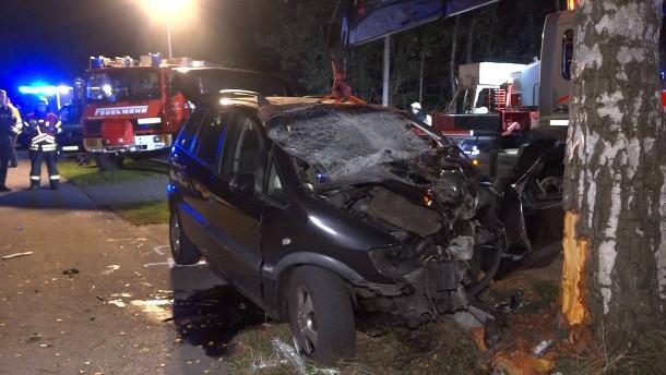 Mutter und Sohn bei Unfall in Niedersachsen ums Leben gekommen
