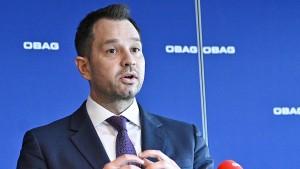 Rücktritt nach Chats über Pöbel und Flüchtlinge